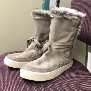 Toms Taupe Vista Desert  faux shearling boots-Sz 8